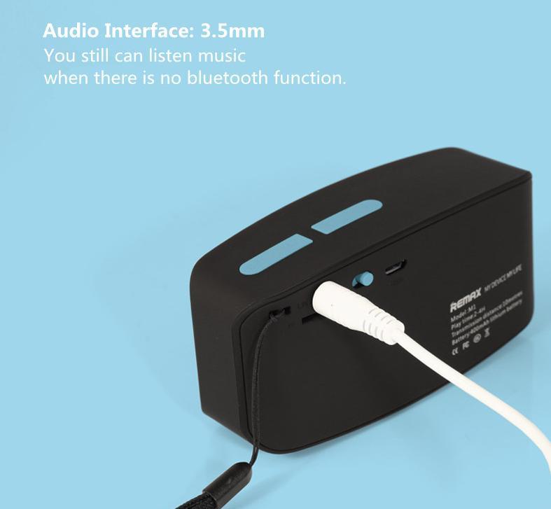 Pokud audio zařízení nemá bluetooth můžete taktéž k reproduktoru připojit zařízení přes 3,5mm jack kabel.