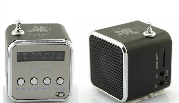 Mini reproduktor přenosný s FM rádiem na USB a 3,5 jack. Vhodný pro táboření, k vodě či na výlet.