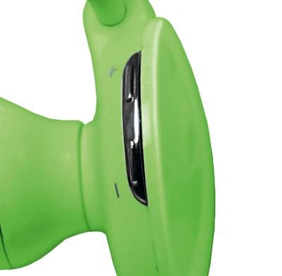 Taktéž tlačítka pro ovládání hlasitosti (Volume Down, Up) najdete na vrchní straně pravého sluchadla pro snadnou obsluhu během pohybu.