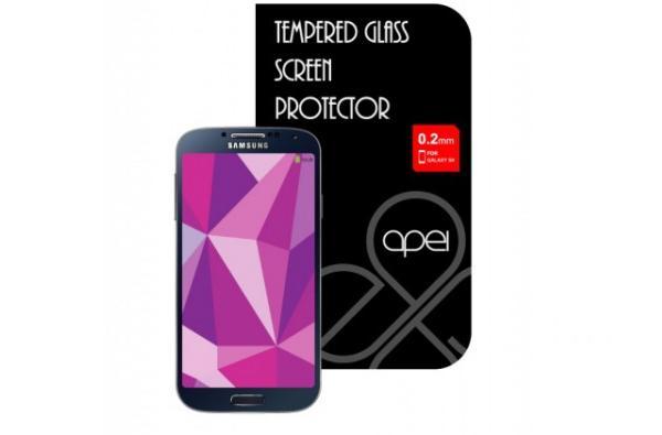 Celý kryt jednoduše přilepíte na displej vašeho telefonu Samsung S4, kde zůstane pevně držet bez jakýchkoliv mezer či omezení v dotykovosti.Ten je vyroben ze speciálně zpracovaného skla, které ochrání LCD displej zařízení před poškozením pádem i před poškrábáním, a zároveň si zachovává tloušťku pouhých 0,2 mm.