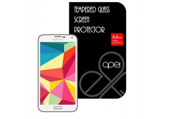 Celý kryt jednoduše přilepíte na displej vašeho telefonu Samsung S5, kde zůstane pevně držet bez jakýchkoliv mezer či omezení v dotykovosti.Ten je vyroben ze speciálně zpracovaného skla, které ochrání LCD displej zařízení před poškozením pádem i před poškrábáním, a zároveň si zachovává tloušťku pouhých 0,2 mm.