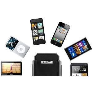 Univerzální držák na sklo do auta s přísavkou pro GPS, PDA, mobilní telefony, MP3, MP4, MP5 přehrávače.