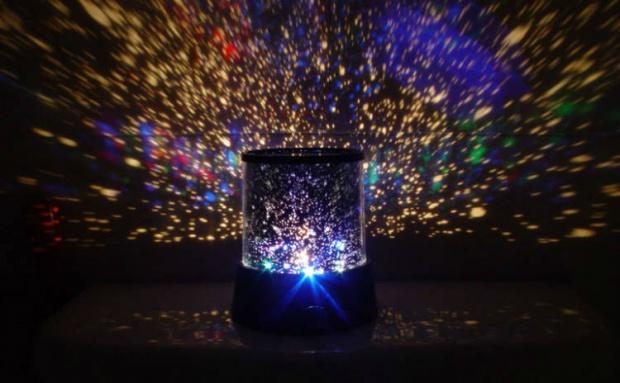 Star Master projektor hvězdné oblohy do každé tmavé místnosti!
