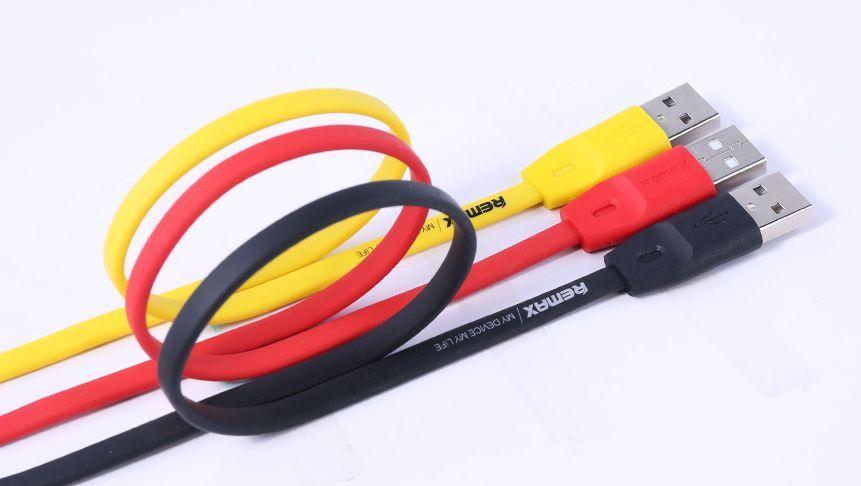 Datový kabel Remax Full Speed se vyznačuje kvalitním měděným jádrem, které zajišťuje rychlé nabíjení i rychlý přenos dat.