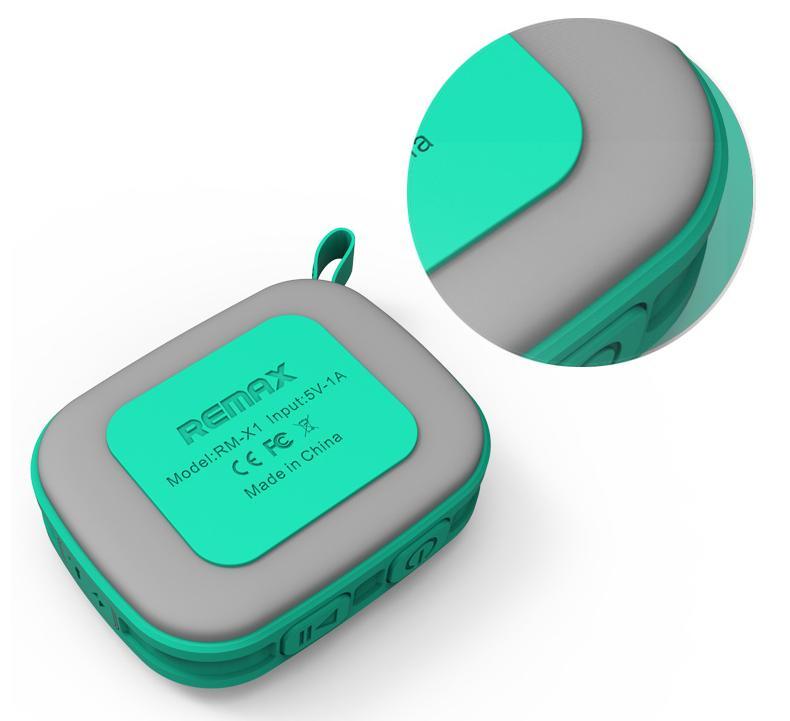 Vybaven vestavěnou lithiovou baterii, která vydrží hrát při maximální hlasitost přehrávání 4-5 hodin, za použití udržitelné přehrávače na střední hlasitosti hrát až osm hodin při nepřetržitém přehrávání.