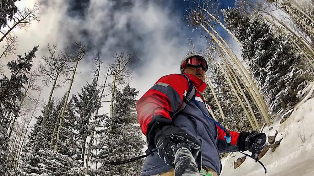 Ideální pro zachycení snowboardové nebo lyžařské akce. Použití: cestování, video deníky, video blogging, Hiking / kemping, na party, na pláž, koncerty, sportovní aktivity.
